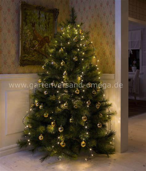 lichterkette weihnachtsbaum anbringen lichterketten und
