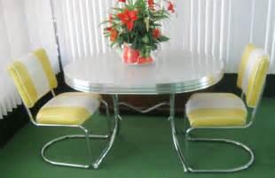 Retro Chrome Kitchen Table Vintage Retro 1950 S Chrome Gray Yellow Dining Kitchen Table Leaf 2 Chairs Ebay Wants