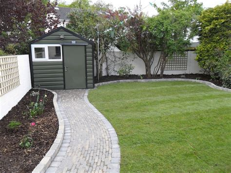 cheap garden path ideas photograph garden creative inexpe