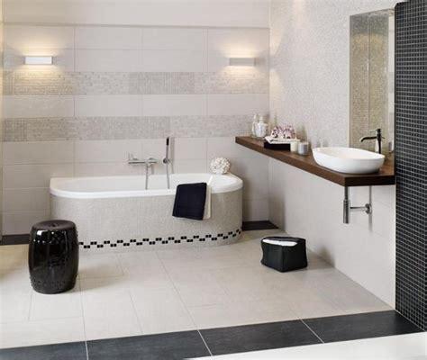weißes glasfliesen badezimmer badezimmer schwarz weis mosaik alitopten