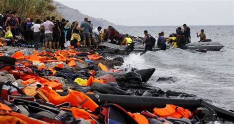 rescue refugees and the political crisis of our time ted books books drowning refugees dying hopes 3 770 refugees die in 2015