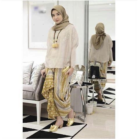 33 Model Kebaya Modern Berjilbab Muslimah Populer 2018