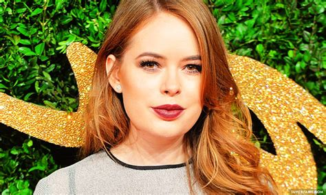 tanya burr you won t believe why tanya burr s behind made headlines
