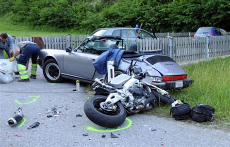 Motorrad Blinker Tauschen by Motorradfahrer Gegen Porsche Tot Tirol Orf At