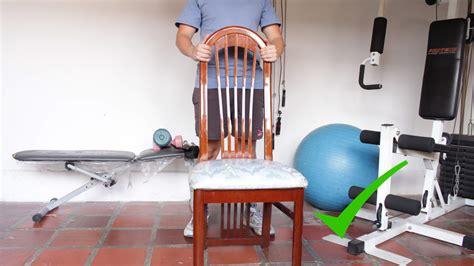 su una sedia 5 modi per fare esercizi addominali su una sedia