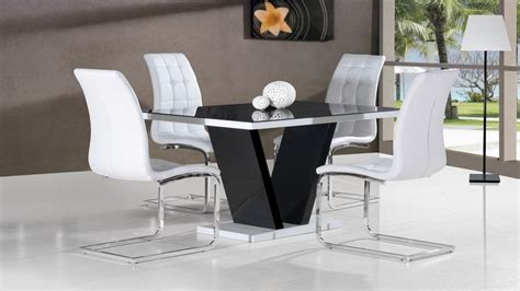Glass Dining Table With White Chairs Black Glass High Gloss Dining Table And 4 White Chairs Homegenies