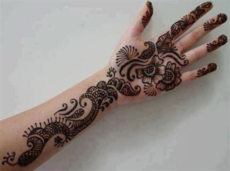 New Dulhan Hand Mehndi Designs Pics Wallpaper Free Download