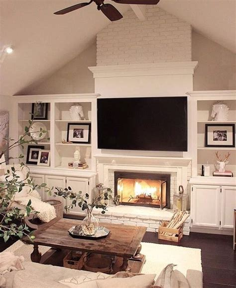 livingroom fireplace best 25 living room with fireplace ideas on