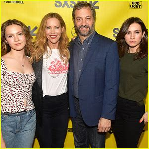 Blockers Premiere Cena Photos News And Just Jared