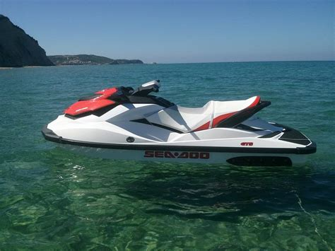 sea doo speed boat jet ski sea doo 130 hp thomas boat and jet ski hire