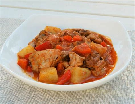 can dogs eat tomato sauce chicken afritada chicken braised in tomato sauce
