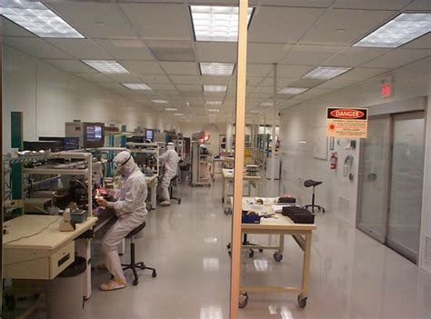 iso clean room cleanroom esc cleanroom critical environment solutions esc serves canada and usa