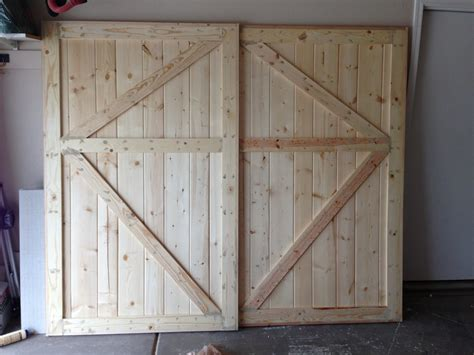Barn Doors For Closets White Barn Door Closet Doors Diy Projects