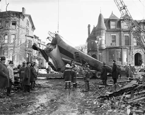 Pdf New York Plane Crash Yesterday by Crash Of A Douglas Dc 8 11 In New York 90 Killed Bureau