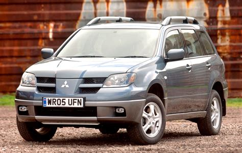 mitsubishi outlander 2007 accessories mitsubishi outlander estate 2004 2007 features