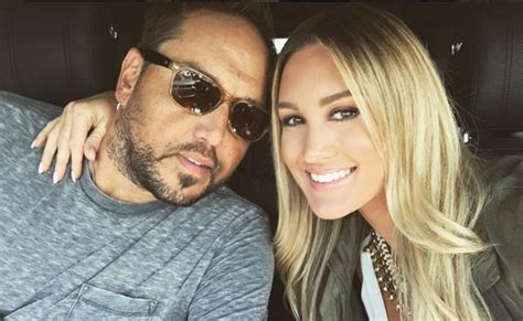 jason aldean and wife treat fans to candid q a country jason aldean and brittany kerr s musical road trip part 2
