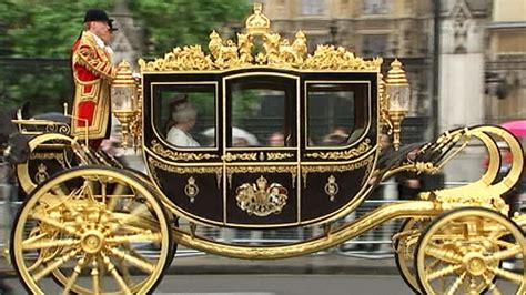 royal couch history on wheels 5 things to know about the queen s new