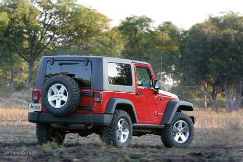 Difference Between Jeep Wrangler And Rubicon Differences 2012 Or 2013 Jeep Wrangler Unlimited Autos Post