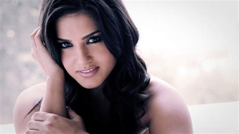 sunny leone wallpaper download com sunny leone wallpapers pictures images