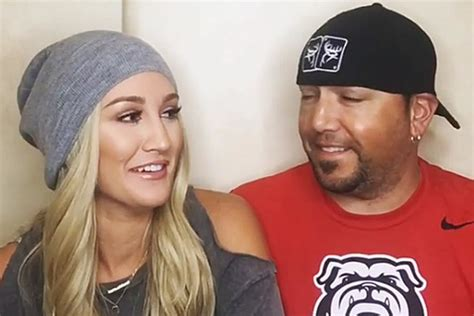 jason aldean and wife treat fans to candid q a country jason aldean and his wife get personal in adorable videos