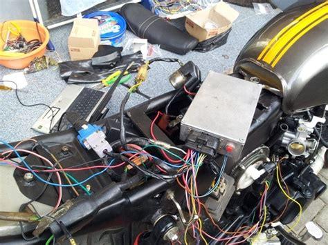 Kabel Data Motor Injeksi honda tiger dipasangi sistem injeksi yamaha vixion edyan modifikator indonesia hebat pakai
