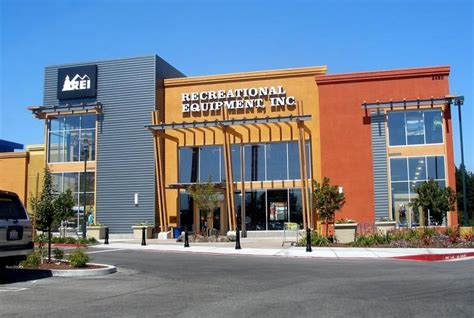 sporting goods christiana rei shocks retail world by closing for black friday