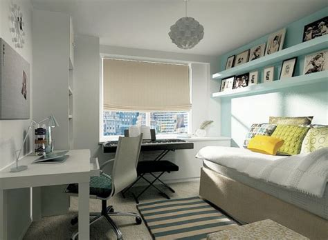bedroom uses a light turquoise and white backdrop