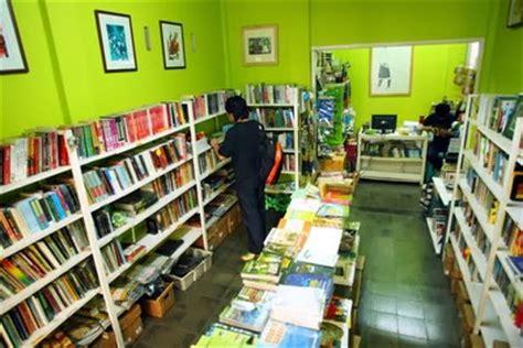 Rak Toko Buku memulai usaha toko buku learning should be