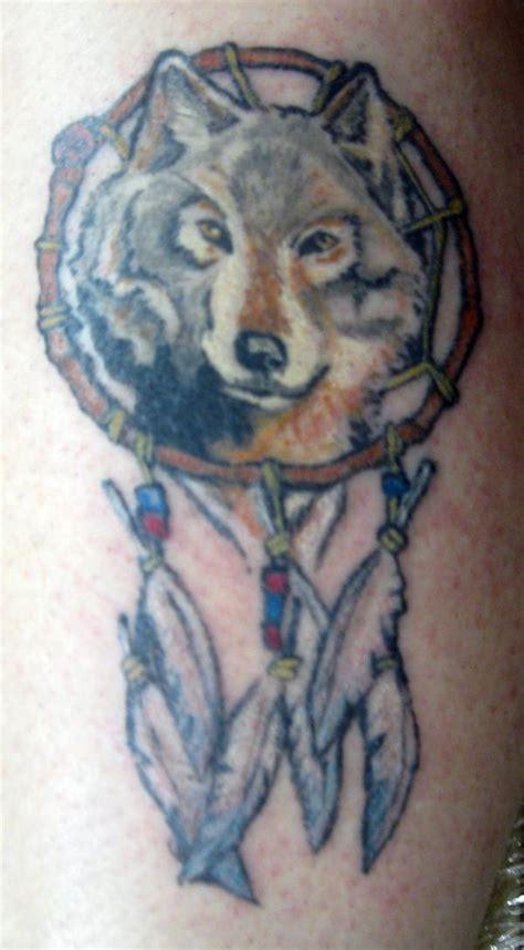 dreamcatcher tattoo designs wolf dreamcatcher tattoo designs