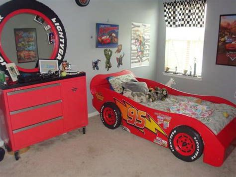 lightning mcqueen bedroom lightning mcqueen race car bed and a toolbox dresser w tire mirror