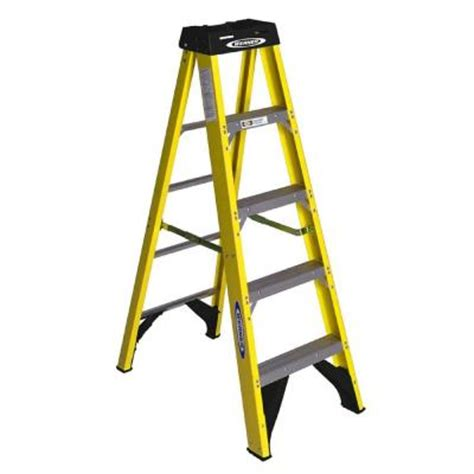werner 5 ft fiberglass step ladder with 225 lb load