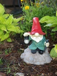 garden gnomes the adventures of organigirl episode 3 wherein organigirl discusses the proper response to