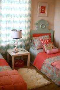 Coral And Blue Bedroom by Coral Pink And Blue Room For The Bedroom Juxtapost