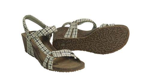 summer sandals on sale sale on comfy summer sandals heels travel