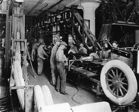 The Assembly Line Henry Ford Essay by Henry Ford Was The To Use An Assembly Line For The Mass Production Thanks To The Changes