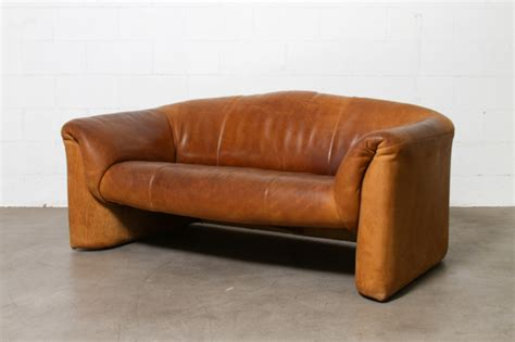 Leather Versus Fabric Sofa Leather Sofa Vs Fabric Sofa Why Each Of Them Is Still Valuable 1 Leather Sofa Vs Fabric