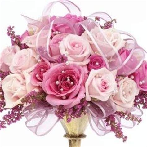 tipologia di fiori bouquet da sposa composizione fiori