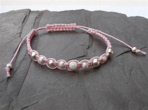 How To Do Macrame Bracelet - robin macrame bracelets