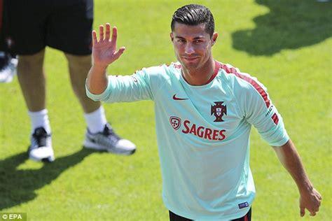 portugal winger ricardo quaresma doubtful for iceland clash news18 cristiano ronaldo trains as portugal prepare for croatia