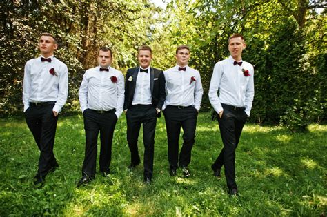 Wedding Attire For Groomsmen by Summer Groomsmen Attire Casual Vs Formal