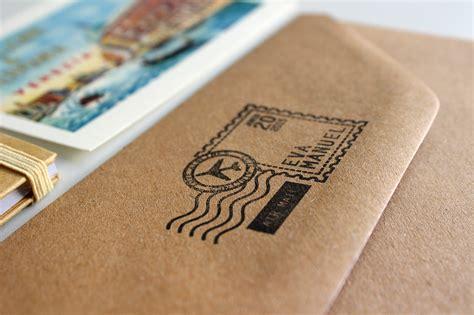 como hacer invitaciones de boda con sellos personalizados y papel kraft how project hermanas bolena invitaciones de boda originales billetes de avi 243 n para novios viajeros