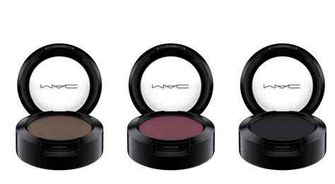 Review Mojo Cosmetics 2 by Mac Cosmetics It S A Strike Collection Info Swatch And