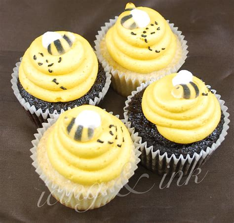 bee cupcakes icing and ink