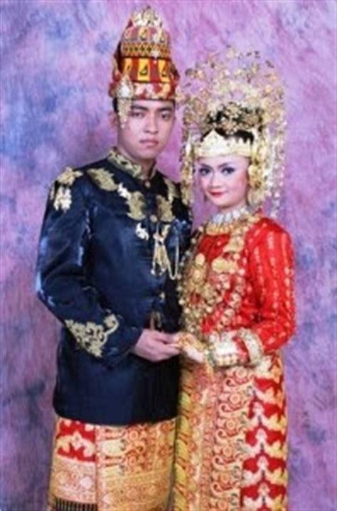 Ikat Kepala Gandi Palembang Aceh shindy annissa pakaian adat aceh