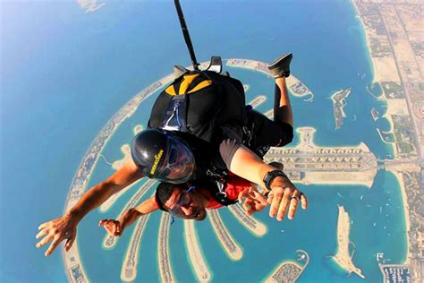 best place to skydive world s best places to skydive skydiving the golden scope