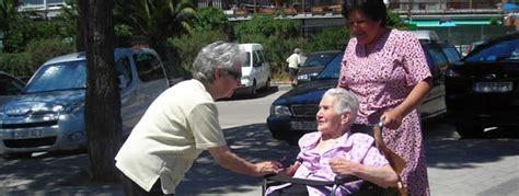 azvase cuidado nocturno de ancianos cuanto cuesta cuanto cobran para cuidar a una persona anciana un d 237 a con