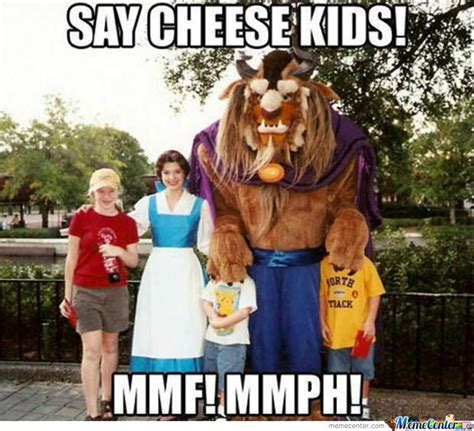 Disneyland Meme - meanwhile at disneyland meme disney memes and memes humor