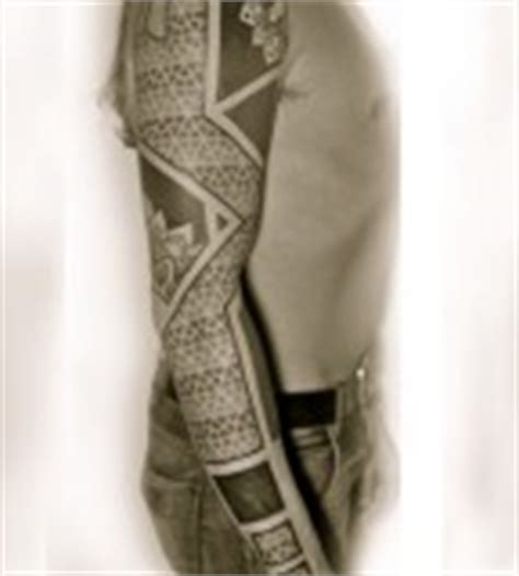 geometric tattoo neo tribal full sleeve black and orange leg sleeve geometric tattoo tattoomagz