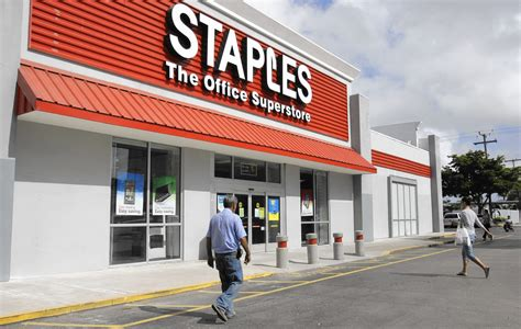 Staples Office Supplies Locations by Staples Sports Authority Announce Closings As Retailers