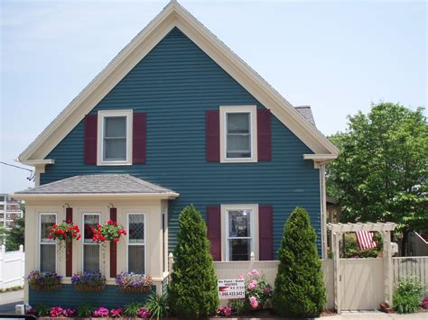 house painters north shore why to use a professional to paint your home s exterior